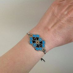 Tear, Brick Stitch, Cute Jewelry, Turquoise Bracelet, Beaded Bracelets, Pattern, Crafts, Bracelets, Tutorials