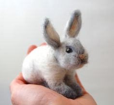 This Little Felted Bunny sits 4 tall and is 4 long. Fits perfectly in the palm of the hand. Needle Felted with the softest sheep wool and angora bunny Felt Fox, Felt Bunny, Cute Bunny, Easter Bunny, Bunny Rabbit, Needle Felted Animals, Felt Animals, White Bunnies, Felt Finger Puppets