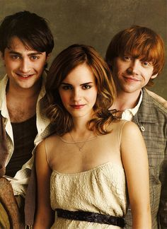 Rupert Grint, Daniel Radcliffe, Emma Watson. <33