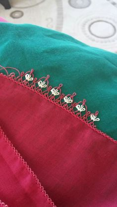This post was discovered by Zeynep zeynep. Discover (and save!) your own Posts on Unirazi. Pearl Embroidery, Hand Embroidery Stitches, Best T Shirt Designs, Blouse Designs, Knitted Poncho, Knitted Shawls, Thread Crochet, Needle And Thread, Crazy Quilt Stitches