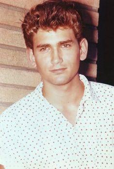 Mike Landon in highschool years: - michael-landon Photo