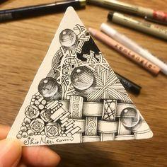 Doodle Art Designs, Doodle Patterns, Zentangle Patterns, Zentangle Drawings, Doodles Zentangles, Doodle Tattoo, Art Journal Prompts, Art Optical, Tangle Art