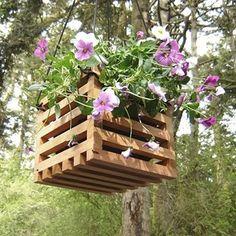 Vasos com madeira reciclada
