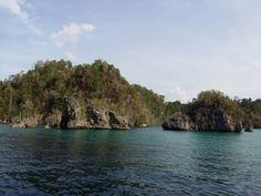 Small islands around Togian
