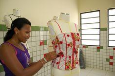 Muito bom Idéias para ganhar dinheiro com suas costuras ou patchwork ,   Se você gosta de costurar ou fazer trabalhos artesanais em tecido, como Patchwork e Quilting, saiba que eles podem render um bom dinheiro, incl... , Rogério Wilbert , http://blog.costurebem.net/2012/03/ideias-para-ganhar-dinheiro-com-suas-costuras-ou-patchwork/ ,  #costurar #máquinadecostura #PatchworkeQuilting