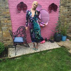 Matthew Williamson marble effect dress Fearne Cotton, Pink Walls, Matthew Williamson, Hippie Bohemian, Celebs, Celebrities, Cotton Style, Ss16, Vera Bradley Backpack