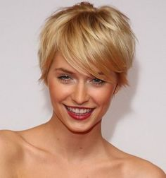 Frisuren Blond Kurz Long Pixie Hairstyles blond Frisuren Kurz Long Layered Haircuts, Haircuts For Long Hair, Girl Haircuts, Curly Pixie Hairstyles, Oval Face Hairstyles, Pixie Haircut, Short Hair With Layers, Short Hair Cuts, Short Hair Styles