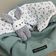 Rammelaar KONIJN - Muffie & Snuffie - gehaakt - knuffel - handgemaakt - babyuitzet - veiligheidsoogjes - baby - zwanger - kraamkado