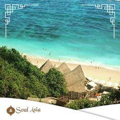 Quer fazer um dos passeios mais lindos da sua vida? Passe o dia no Finn's Beach Club (http://ift.tt/1keoun6) em Bali e sinta-se de fato no paraíso! A entrada é paga e inclui além do direito à utilização do local toalhas e wifi entre outros. Pra chegar até lá utiliza-se um carrinho com trilhos entre as árvores proporcionando aos visitantes uma chegada com um visual maravilhoso! O site deles é bem explicadinho e as fotos que estão por lá vão te deixar com vontade de marcar as férias amanhã…