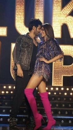 Bollywood Images, Bollywood Couples, Bollywood Dress, Vintage Bollywood, Indian Bollywood Actress, Beautiful Bollywood Actress, Bollywood Stars, Bollywood Fashion, Cute Celebrities