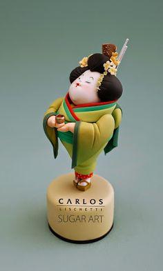 Chubby Geisha Cake Topper by Carlos Lischetti Sugar Art Fondant Figures, Fondant Cakes, Cupcake Cakes, Pretty Cakes, Beautiful Cakes, Amazing Cakes, Japanese Cake, Japanese Sweets, Gateaux Cake