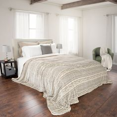 Intrigue a soothing tone to your room decor with this Lavish Home Beige Polyester Flannel and Sherpa Twin Blanket. Easy to wash. Unique Home Decor, Home Decor Items, Home Bedroom, Bedroom Decor, Bedrooms, Master Bedroom, Bedroom Inspo, Master Suite, Bedroom Inspiration