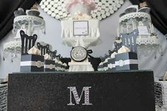 I love the black and white or black and baby color theme for baby shower. This is definitely a must do for me!
