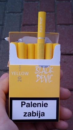 Bad Girl Aesthetic, Aesthetic Grunge, Aesthetic Photo, Pink Aesthetic, Smoking Kills, Girl Smoking, Cigarette Aesthetic, Alcohol Aesthetic, Cool Lighters
