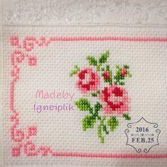 Cross stitch floral towel İnstagram:madebyigneiplik