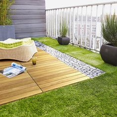 Looking for artificial grass Perth? Get best & affordable artificial grass installation in Perth. To know artificial grass cost, price or quote call now! Outdoor Balcony, Rooftop Garden, Outdoor Decor, Balcony Ideas, Rooftop Terrace Design, Balcony Gardening, Balcony Plants, Indoor Garden, Balcony Flooring