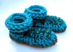 Pantuflas by chivato are knitted and crocheted of sheep wool. The shoe sole consists of lambskin and is needled to the slipper.      - Manufacture 100% handmade      - Additional Sizes on request. Also available for Baby or kids.            Materials utilised      - Wool and lambskin.            Production method      - Knitted, crocheted and needled.