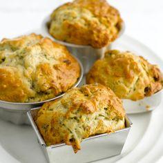 Découvrez la recette Cake au roquefort sur cuisineactuelle.fr.