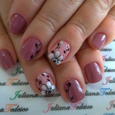 2019 Beautiful Nails to Rock Gelish Nails, Nail Manicure, Spring Nail Art, Spring Nails, Cute Acrylic Nail Designs, Nail Art Designs, Tulip Nails, Short Nails Art, Flower Nail Art