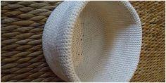 Como fazer crochê  O crochê é um tipo de artesanato feito com uma agulha especial, com essa técnica é possível fazer diversas peças como toalhas para mesa, sapatinhos, porta papel higiênico, aplicações em tecidos e ainda poderá até aume... #moda #crochet #croche