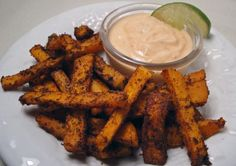 These Spicy Sweet Potato Fries with Sriracha Dipping Sauce are Sooo yummy!