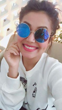 Singer Neha Kakkar Photos - Neha Kakkar is one of the most versatile singer in the bollywood. She is known for her funky songs . Check out beautiful Neha Kakkar Photos . Indian Bollywood, Bollywood Stars, Bollywood Fashion, Teen Girl Poses, Girl Photo Poses, Bollywood Actress Hot Photos, Beautiful Bollywood Actress, Neha Kakkar Dresses, Kareena Kapoor Pics
