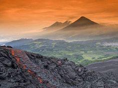 Desde Volcán ee Pacaya, ista de los volcanes de Agua, Acatenango y Fuego, Guatemala, Centroamérica