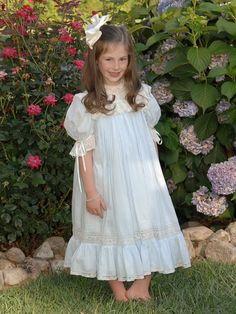 Isabel is gorgeous in her Mela Wilson Heirloom dress. Email mela.wilson2@comcast.net