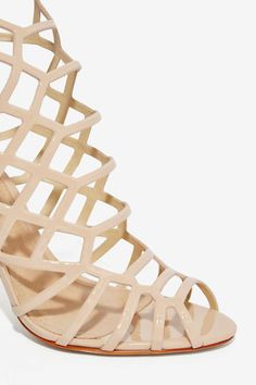 Schutz Juliana Leather Heel Perfect with cropped trousers, a silky cami, and your favorite moto jacket! Nude Shoes, Hot Heels, Pretty Shoes, Crazy Shoes, Leather Heels, The Help, Fashion Shoes, Shoe Boots, Footwear