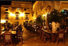 Cartagena Colombia, Plaza San Pedro, Colombia, Caribbean, http://yook3.com, Wilfried Ellmer tourism business development.