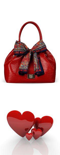 bows.quenalbertini: Moschino Bow Handbag