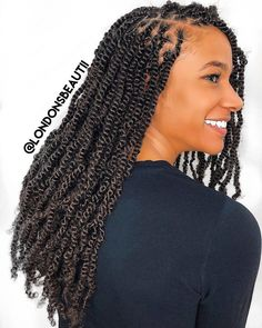 Box braids in braided bun Tied to the front of the head, the braids form a voluminous chignon perfect for an evening look. Box braids in side hair Placed on the shoulder… Continue Reading → Jumbo Box Braids, Short Box Braids, Blonde Box Braids, Bob Box Braids Styles, Box Braids Styling, Braid Styles, Curly Hair Styles, Natural Hair Styles, Locs Styles