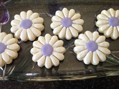 Daisy Flower Sugar Cookies by The Sparkling Sugar Cookie