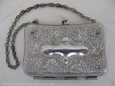Antique-Victorian-Art-Nouveau-Silver-T-Grape-Vine-Child-Coin-French-Doll-Purse