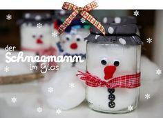 Wir bereiten uns voller Vorfreude auf das Wiedersehen mit der Familie vor und bastelten jedem ein kleines Geschenk: Einen Schneemann im Glas. Ich sah die Idee auf dem Blog The Connection We Share und