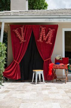 Cute photo booth idea at a Vintage Carnival Party via Kara's Party Ideas | #BigTop #photobooth
