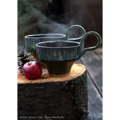 お茶時間を楽しく! 【マグカップ〜Cups which I made】  温かい飲み物が美味しい季節になってきました。せっかくのリラックスタイムなのでお気に入りのカップでゆっくり楽しみたいですよね。 写真のカップはスタッキング可能なマグカップ。収納場所を取るのでマグカップ嫌いな私が考えた苦肉の策(笑) 只今 年末展示会に向けて作品をいろいろ作っています。  What kind of cup do you enjoy coffee(tea) time? The cups of the photograph(I made)  can do accumulation. I make various ceramic works for my year-end exhibition.  #テーブルウェア #茶器 #カップ #陶器  #和食器  #和モダン #展示会  #Ceramics #Cup #Tableware #Modern Japanese style #Exhibition