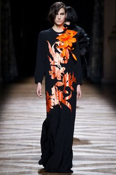 Look 54, Dries Van Noten Fall 2014. Show closer. For all the attention paid this designer, what with his career retrospective exhibit at the Musée des Arts Décoratifs, two years in the making, I'm not sure I even like this collection. I picked out my faves; there are other modest #'s for sure, so take a look at the link if interested.