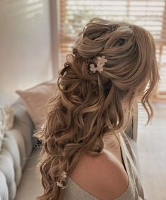 """Sharon Wilkes-Burt  👰🏼💗 on Instagram: """"✨Let it flow....Let it flow✨ Sometimes those pretty locks just need to be allowed to flow .... and always with a little help from their…"""" Let It Flow, Let It Be, Long Hair Wedding Styles, Long Hair Styles, Bridal Hair, Locks, Wedding Hairstyles, Pretty, Beauty"""