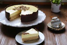 Coccole di dolcezza: Semifreddo al mascarpone e caffè in crosta di cioccolato di Modica