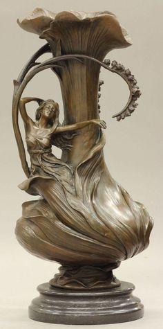 Art Nouveau Style Bronze Vase or Urn~ Belle Epoque, Bijoux Art Nouveau, Art Nouveau Jewelry, Design Art Nouveau, Jugendstil Design, Bild Tattoos, Art Decor, Decoration, Home Decor