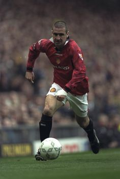 Eric Cantona, France (AJ Auxerre, Martigues, Olympique Marseille, Bordeaux, Montpellier, Nimes Olympique, Leeds United, Manchester United, France)