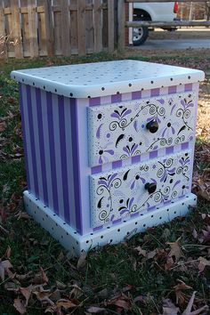 Trendy Ideas For Purple Painted Furniture Lavender Funky Painted Furniture, Refurbished Furniture, Paint Furniture, Repurposed Furniture, Furniture Projects, Furniture Makeover, Cool Furniture, Modern Furniture, Painted End Tables