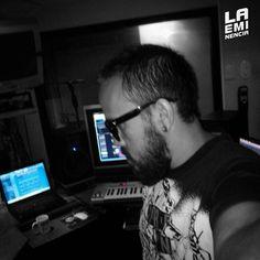 Via Instagram LAEMINENCIAreal Another night! Next -> #MusicaComputarizada  @laqadramusic #DondeSiSeHaceMusic  #estudiodegrabacion #studioflow #LaEminencia . . . . . . .  #productormusical  #protools #flstudio #dembow #reggaeton #musicaurbana  #beats #producer #fruityloops . . . . . . . . .#siguemeytesigo #tw #fb