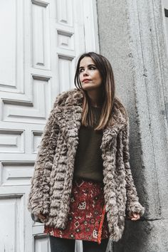 Faux_Fur_Coat-Boho_Skirt-Formula_Joven-Loafers-Outfit-Street_Style-Collage_Vintage-26.jpg (790×1185)