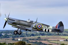 Spitfire IX take off