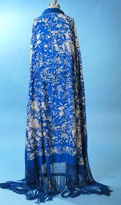 Antique Spanish Manton de Manilla Sapphire Blue Shawl http://www.pinterest.com/TheLadyApryle/hobohemia/
