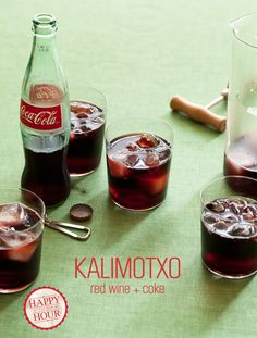 A recipe for Kalimotxo, red wine and coke. The best Basque drink ever. Refreshing Drinks, Fun Drinks, Yummy Drinks, Yummy Food, Alcoholic Beverages, Fun Food, Cheap Red Wine, Basque Food, Tapas