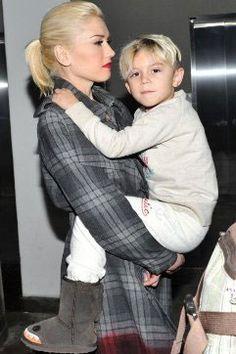 Gwen Stefani's little rockstar definitely rocks our boots! Emu Boots, Kingston Rossdale, Sheepskin Boots, Kids Boots, Gwen Stefani, Comfy Shoes, Little Ones, Uggs, Creatures