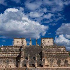 Chichen Itza Templo de los Guerreros Maya, Temple, Warriors, Architecture, Art, Maya Civilization